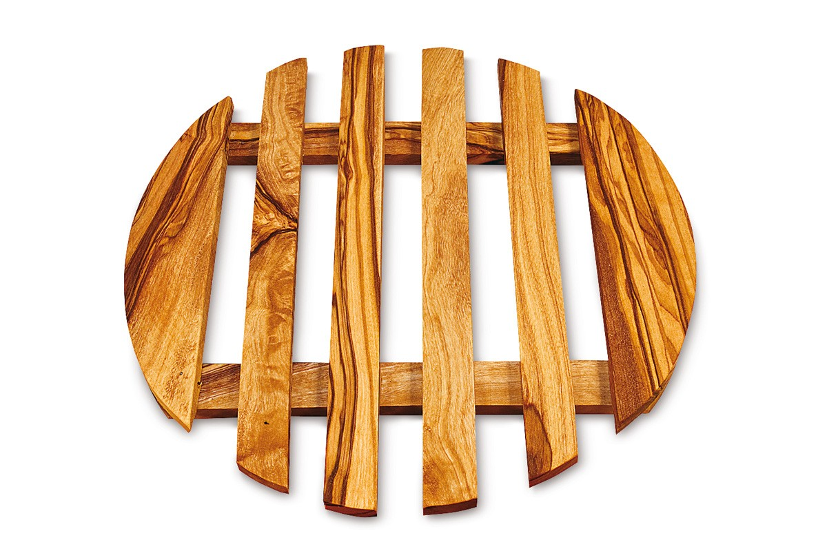 Round trivet with sticks